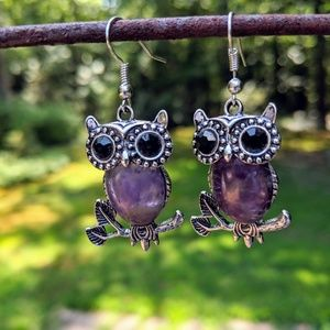 Jewelry - Owl with amethyst stone